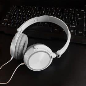 white no mic